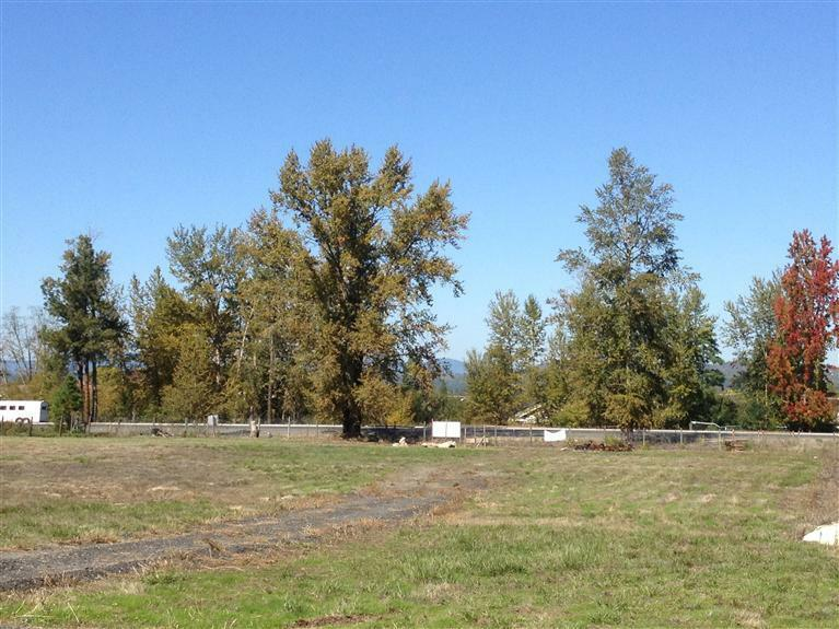1856 Dowell Road, Grants Pass, OR - USA (photo 4)