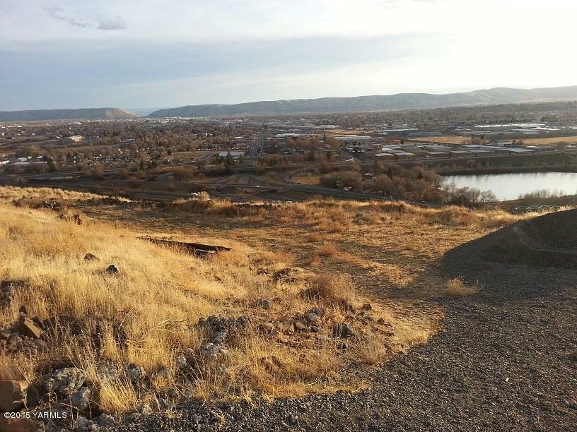 660 Riverview Dr, Yakima, WA - USA (photo 4)
