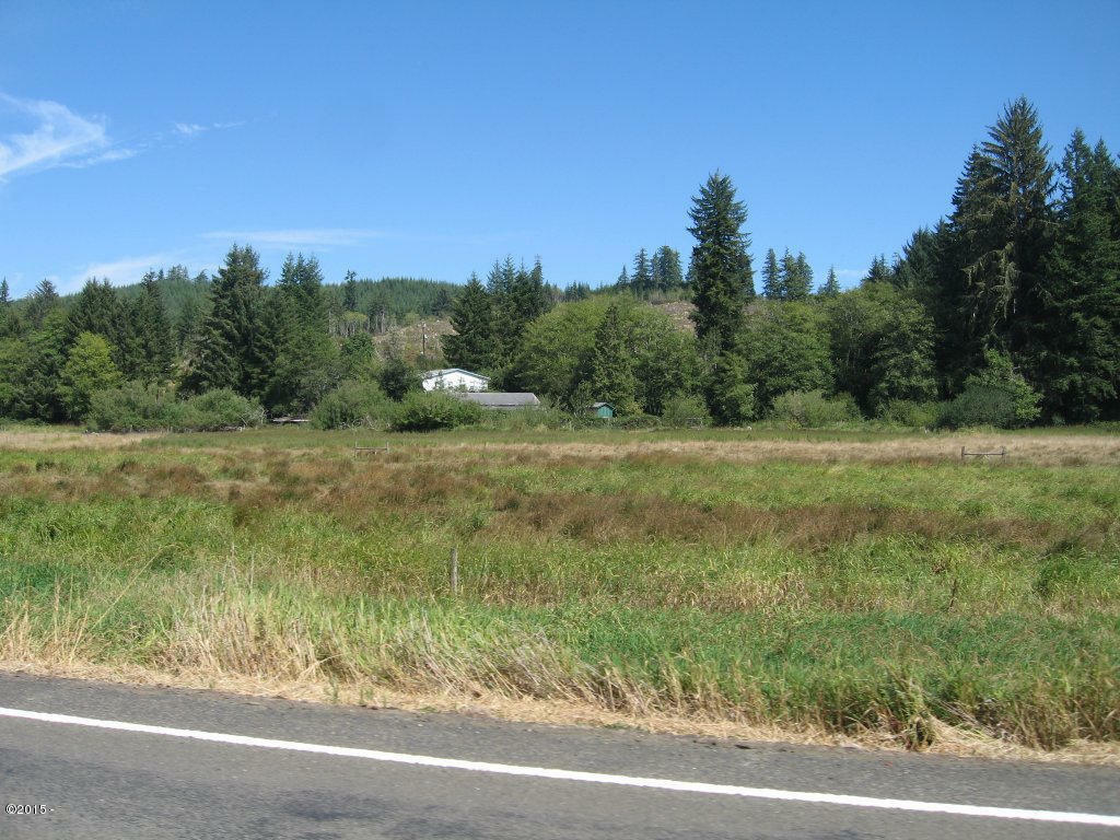 1372 Yasek Loop, Toledo, OR - USA (photo 2)
