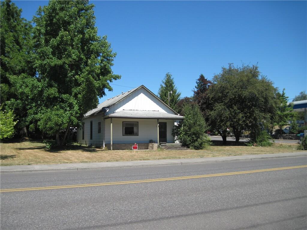 219 E 4th St, La Center, WA - USA (photo 1)