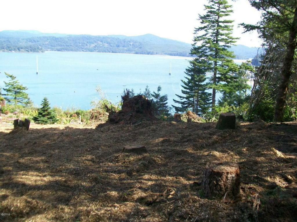 759 Nw Highland Dr, Waldport, OR - USA (photo 2)