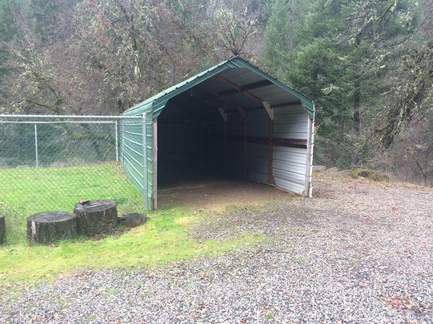 3969 Old Ferry, Shady Cove, OR - USA (photo 2)