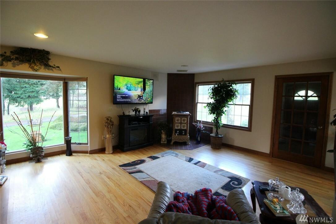 555 Hazel Dell Rd, Castle Rock, WA - USA (photo 4)