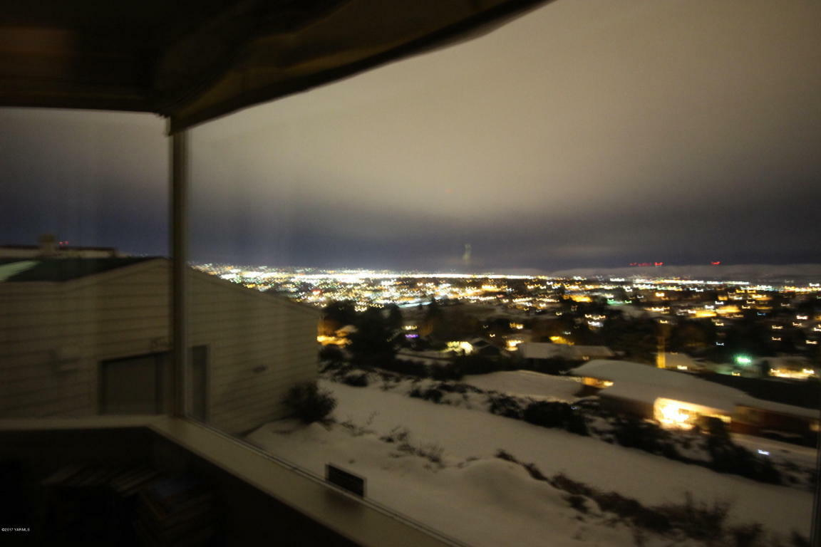 4802 Scenic Dr, Yakima, WA - USA (photo 2)