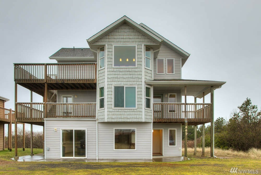 667 Ocean Shores Blvd Sw, Ocean Shores, WA - USA (photo 1)