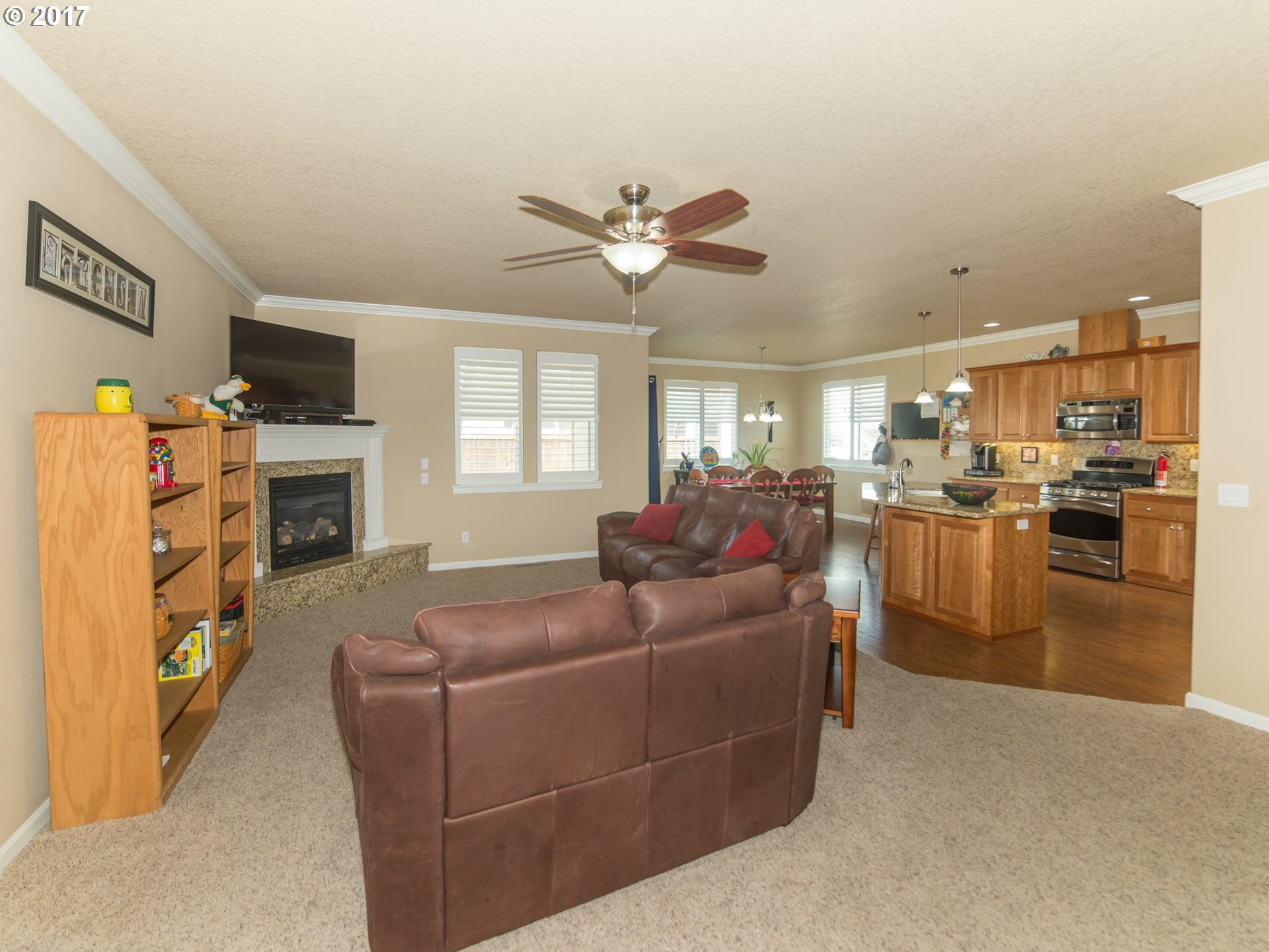 1391 Breckenridge Dr, Junction City, OR - USA (photo 3)