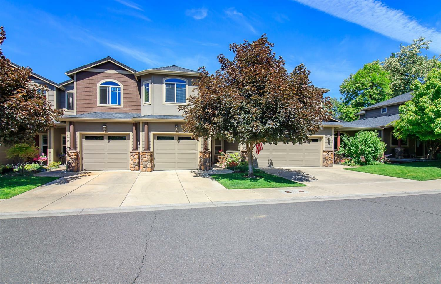 180 Rivers Edge Drive, Gold Hill, OR - USA (photo 1)