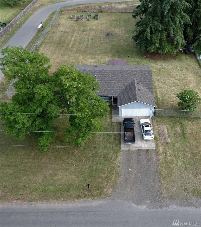 604 Rochester St W, Rainier, WA - USA (photo 5)