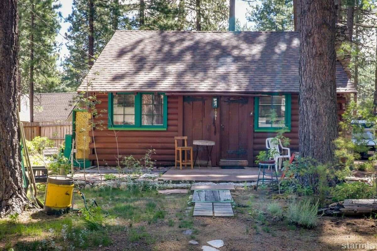 1081 Craig Avenue, South Lake Tahoe, CA 96150 - 2 bed/1 bath