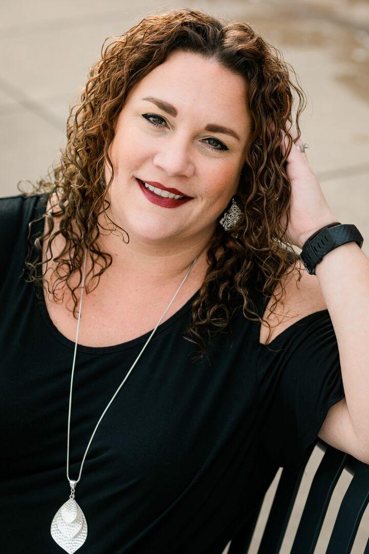 Sara McDaniels, Broker in Peoria, Jim Maloof Realtor