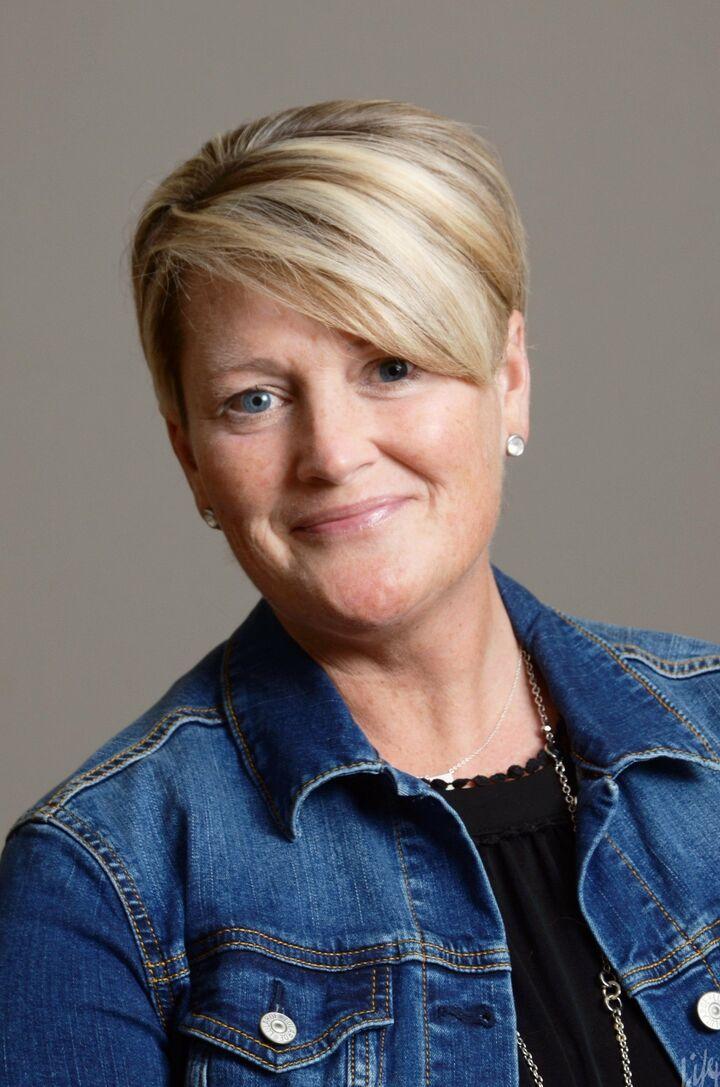 Lisa Stokes-Bear