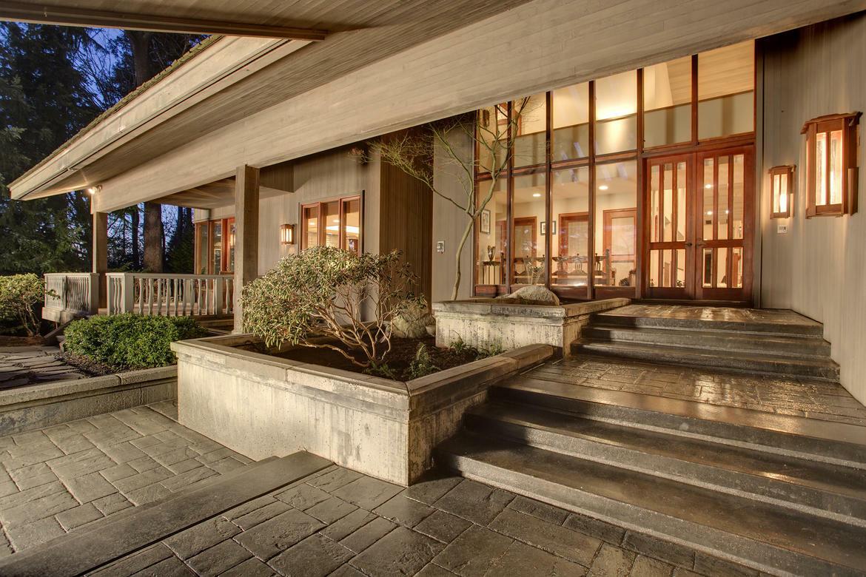 Architectural Gem (photo 1)