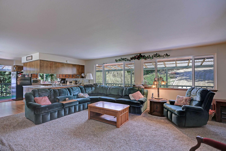 Interiors (photo 5)
