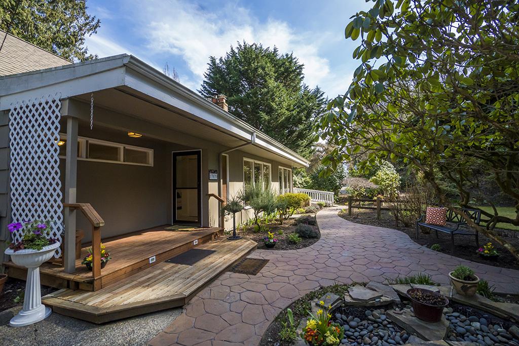 17070 Hamlin Rd Ne, Lake Forest Park, WA - USA (photo 1)